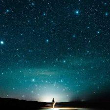 موسیقی امبینت رازآلود و رویایی Beyond the Stars اثری از Hazy