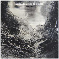 آهنگ پیانو دراماتیک و تامل برانگیز Spaces اثری از Joe Alexander Shepherd