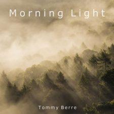 آهنگ گیتار عاشقانه و احساسی Morning Light اثری از Tommy Berre