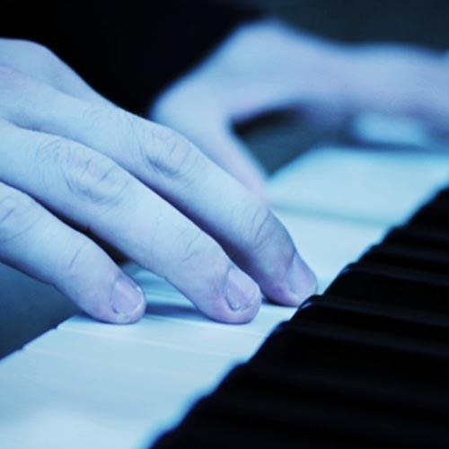 آهنگ Cry تلفیق غم آلود ملودی پیانو و ویولن از Jurrivh