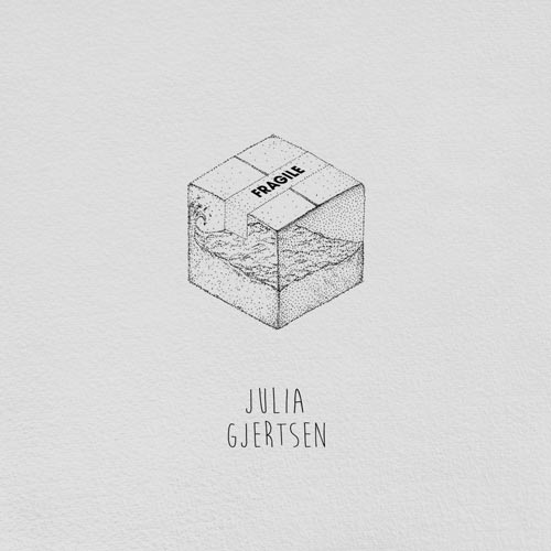 آلبوم Fragile موسیقی امبینت مدرن کلاسیکال رازآلود از Julia Gjertsen