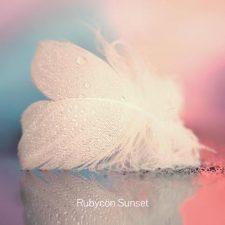 موسیقی امبینت Loveliness اثری از Rubycon Sunset