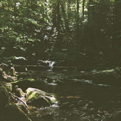 موسیقی پیانو Rest اثری برای آرامش و استراحت از The Field Tapes