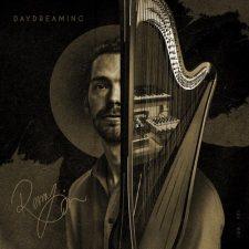 موسیقی بی کلام چنگ Daydreaming اثری خیالی از Remy Van Kesteren