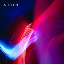 موسیقی سینث پاپ Neon اثری از Morninglightmusic