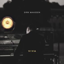 پیانو کلاسیکال Viva اثری از Dirk Maassen