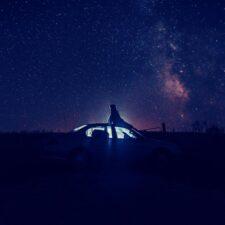 موسیقی داون تمپو شب های پاییز (Autumn Nights) اثری از Spade Brooks