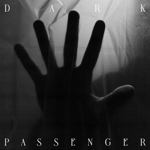 مسافر تاریکی ، موسیقی تریلر دراماتیک و سینمایی از ماتیا تورزو