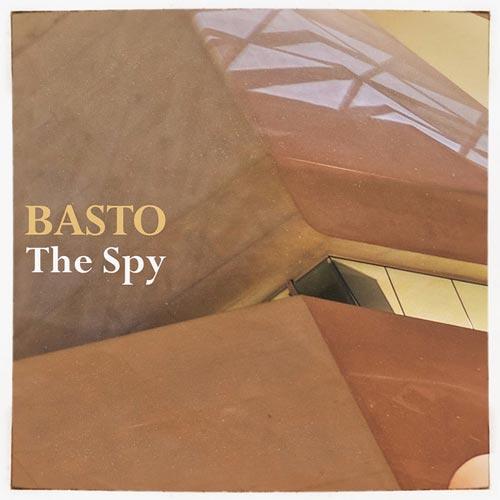 جاسوس ، موسیقی الکترو هاوس پرانرژی و ریتمیک از باستو