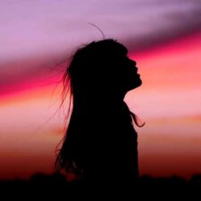 بی پایان ، موسیقی داون تمپو رویایی و خیال انگیز از اسکورو