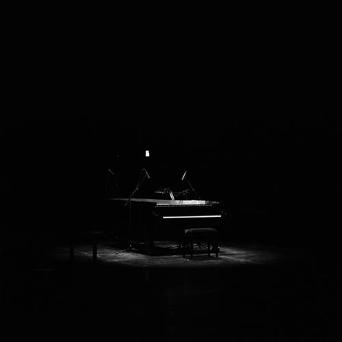 درباره آمدن و رفتن ، موسیقی پیانو تامل برانگیز از نیلس فرام